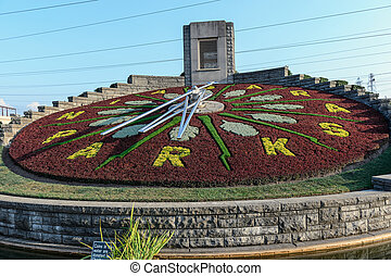 Flower clock in Niagara Falls, Ontario Canada - The biggest...