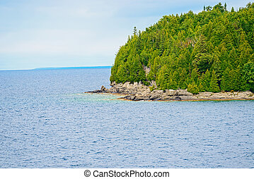 Rocky Geargian Bay costline near Tobermory in Bruce...