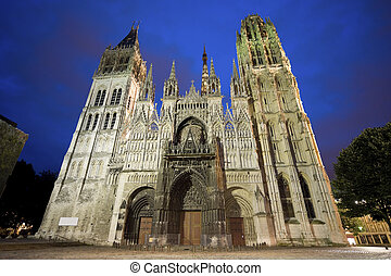 Rouen - The cathedral at night - Rouen (Seine-Maritime,...