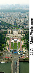 Beautiful places of Paris city - Jardins du Trocadero....