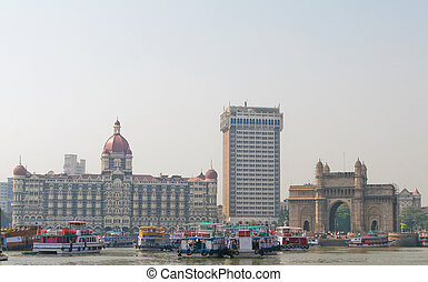 Mumbai Bombay - Famous Taj hotel, Tower hotel and Gateway to...