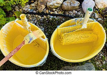 paint bucket of painter