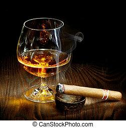 cigarro, y, Coñac