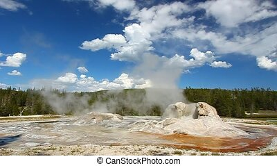 Rocket Geyser and Grott Geyser - Rocket Geyser and Grotto...