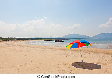 Seaside beach umbrella - This is a picture of the sea and...