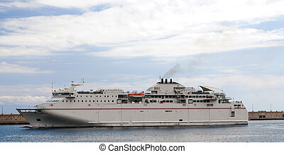 Dell ship passengers departing port of Tenerife