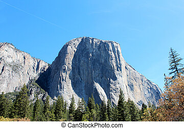 El Capitan Mountain in Yosemite