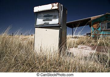 vintage USA gas station