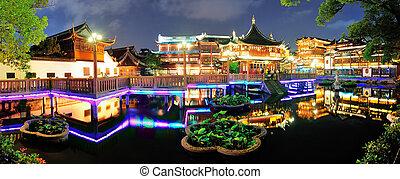 Shanghai pagoda building - Historical pagoda stile building...