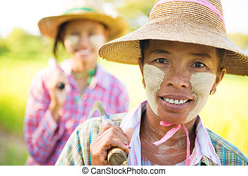 Myanmar farmer - Portrait of a two Myanmar farmer with...