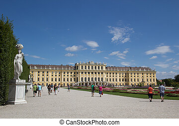 Schonbrunn Palace - Tourist visiting the Schonbrunn Palace...