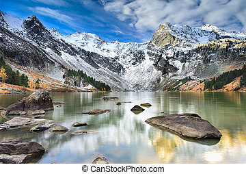 Landscape Altai mountains - Mountain Lake, West Siberia,...