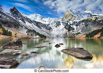 Landscape Altai mountains - Mountain Lake, West Siberia,...