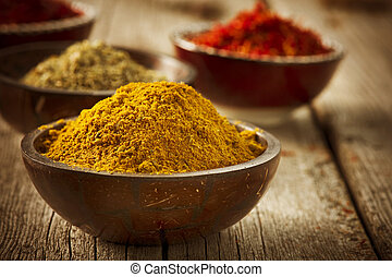 épices, safran, curcuma, curry
