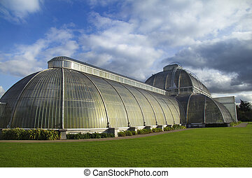 Kew Gardens - Moody skies over the Palm House at the Royal...