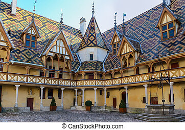 Beaune Hotel Dieu colorful roofs - Beaune bourgogne city...