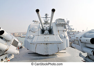 Navio guerra, artilharia