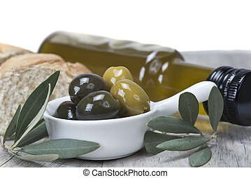 Olives with oil and bread