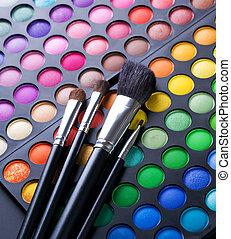 Maquilagem, escovas, e, maquiagem, olho, sombras