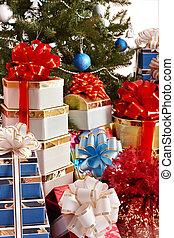 Christmas tree and group gift box.