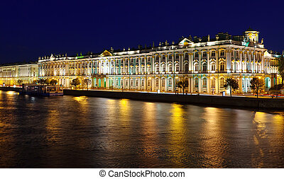 Winter Palace in Saint Petersburg - View of St Petersburg...