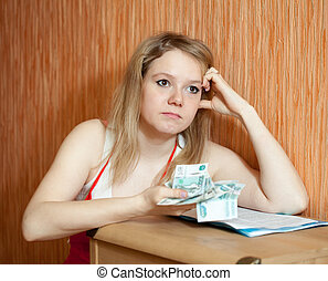 woman decides on the financial problems - The woman decides...