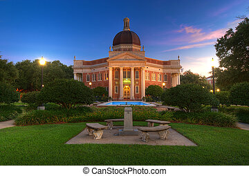 College Campus - Southern Mississippi University Campus...
