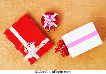 Beautiful presents in the table - Beautiful presents in the...