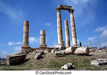 Hercules tempel Amman. - Amman is the capital of the...