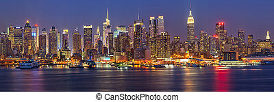 Manhattan at night - View on night Manhattan, New York