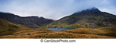 View over Llyn Llydaw to cloud covered Mount Snowdon - Mount...