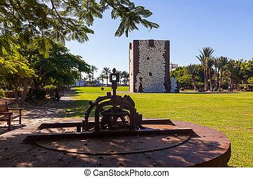 Tower Torre del conde in San Sebastian - La Gomera Island -...