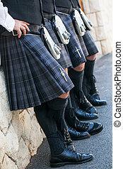 cuatro, escocés, hombres