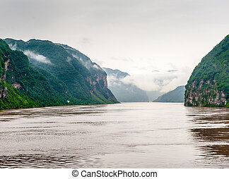 Travel on the Yangtze River