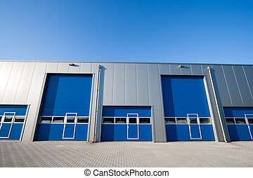 Industrial unit - Industrial Unit with roller shutter doors