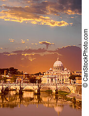 Vatican - Sunset view of the Vatican with Saint Peter\\\'s...
