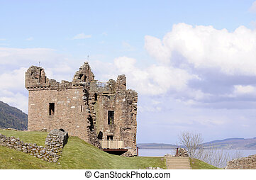 Urquahart castle - Urquhart castle on the edge of Loch Ness