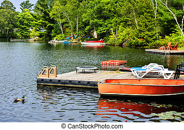 Cottage lake with diving platform and docks - Beautiful lake...