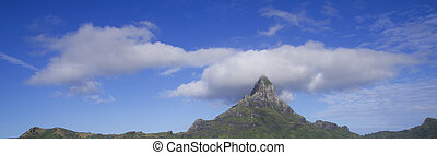 otemanu mountain - top otemanu mountain in bora bora with...