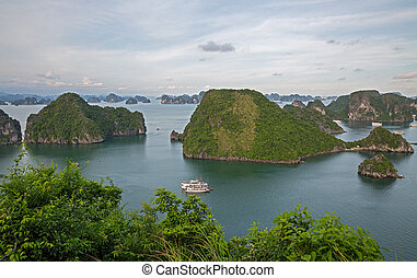 Halong Bay, Vietnam - The unbelievable Halong Bay and...