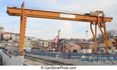 Girder gantry crane - Double beam gantry crane moves at...