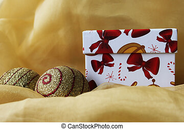 Christmas box - Handmade gift box with christmas balls,...