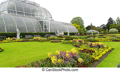 Kew Gardens - England's Kew Garden's hot houses for tropical...