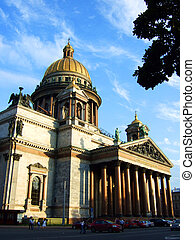 Cathedral in St.-Petersburg. - Photo of a beautiful...