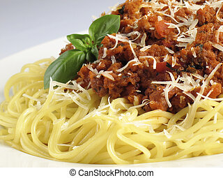 Spaghetti Mound - Spaghetti noodles with meat sauce