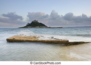 St Michael's Mount, Cornwall, UK. - Dusk image of St...