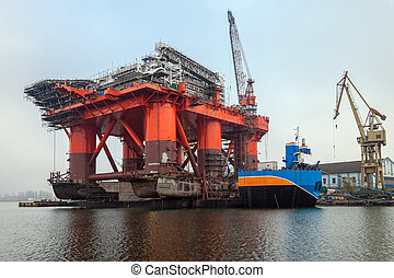Platform on a barge - Weighing in at 12 thousand ton Oil Rig...