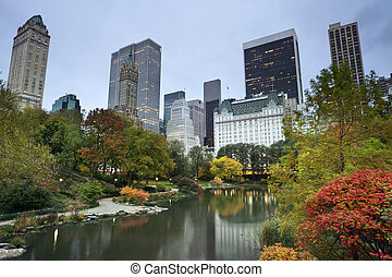 Central Park and Manhattan Skyline - Image of colorful...