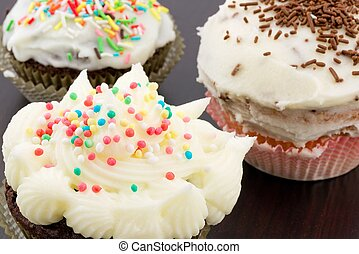 cupcakes with buttercream - cupcakes