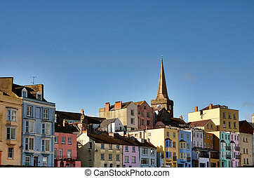 View of colourfully painted houses in Tenby. - Longitudinal...